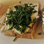 cream cheese sandwich with chives
